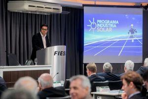 Rodrigo Kimura, da Engie, mostrou detalhes do programa solar na Fiesc