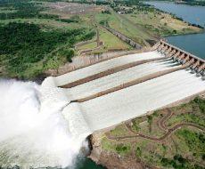vista-aerea-da-usina-hidreletrica-itaipu-binacional-com-o-vertedouro-aberto-em-foz-do-iguacu-1375622711877_615x300