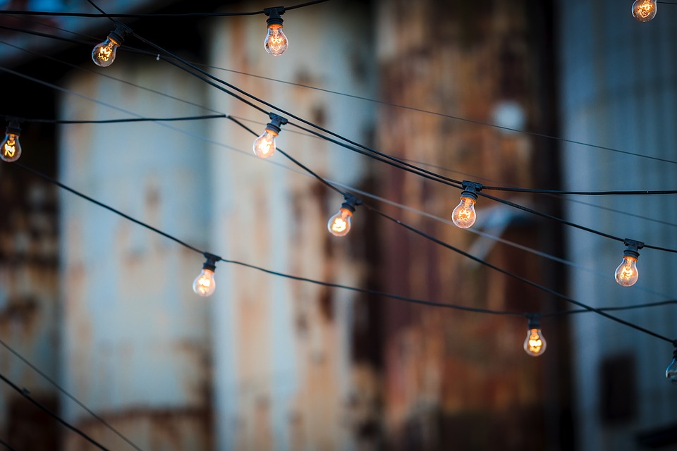 light-bulbs-1875268_960_720